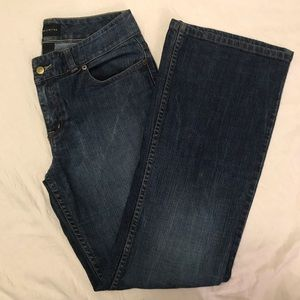 Limited Woman's Blue Jeans Boot Cut Size 8 Regular